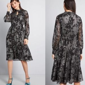 Modcloth More to Adore Long Sleeve Dress Small